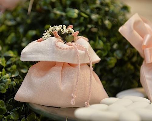 Dettaglio sacchetto con fiori
