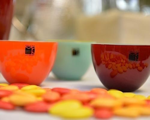 Ciotole in vetro colorato per bomboniere