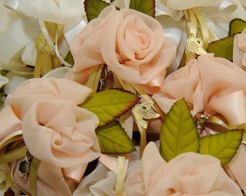 Bomboniere a fiore in raso