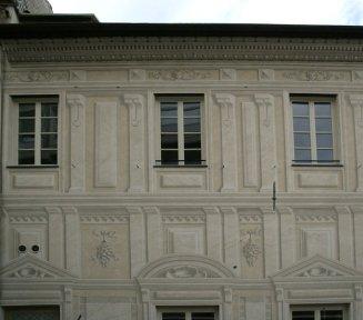 facciata tinteggiata del palazzo doria