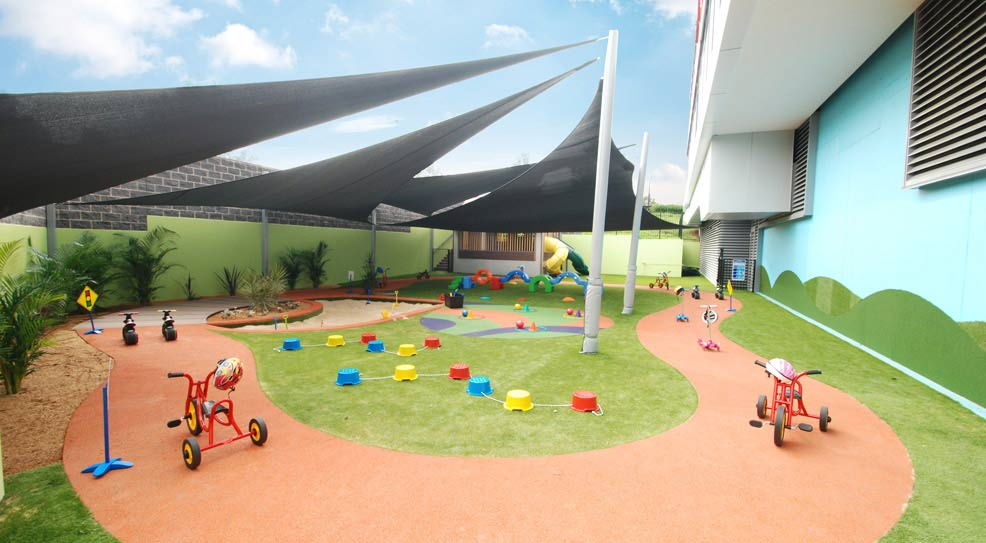 outdoor play track