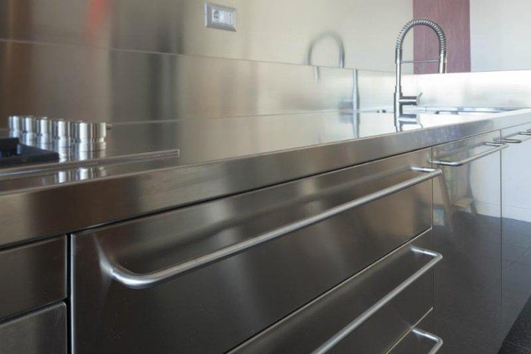 Particolare della cassettiera della cucina