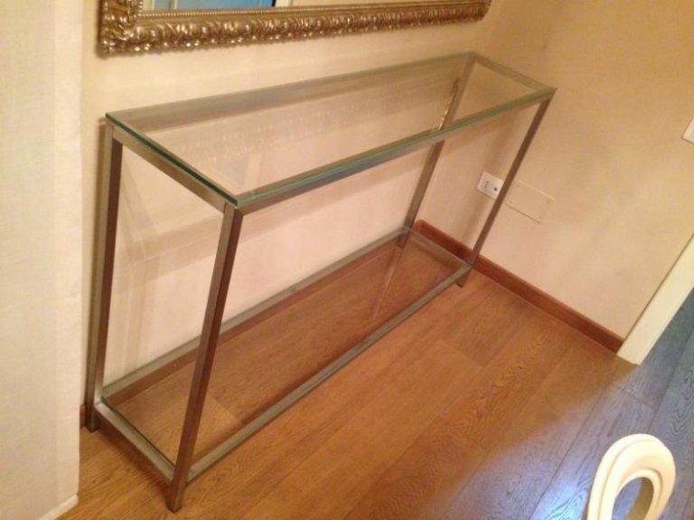 Tavolino da parete in acciaio inox e vetro
