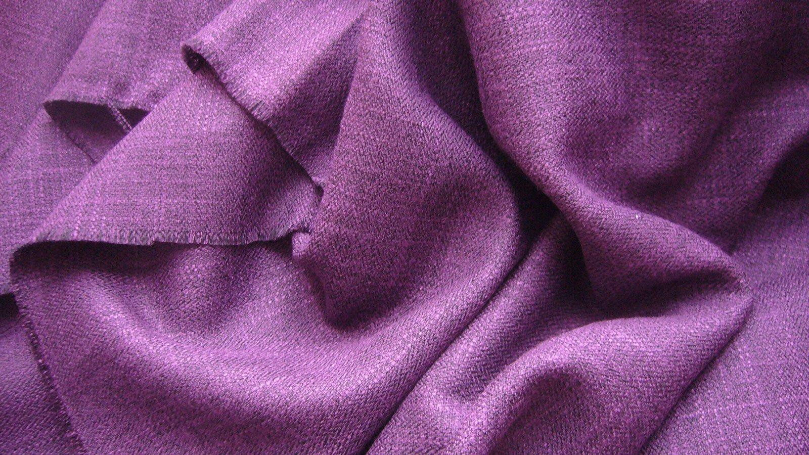 Tessuto di lino viola