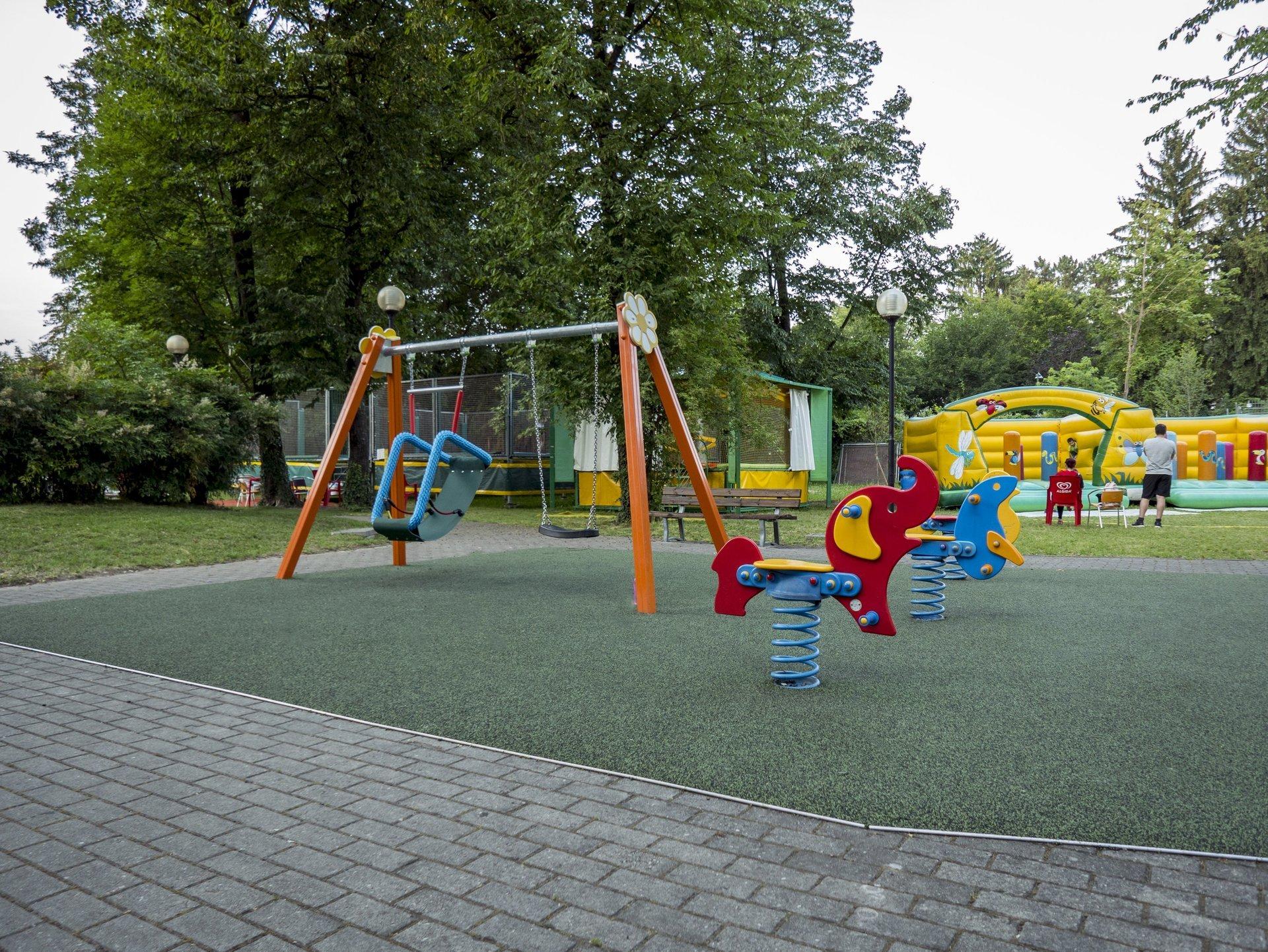 giochi per bambini in area verde
