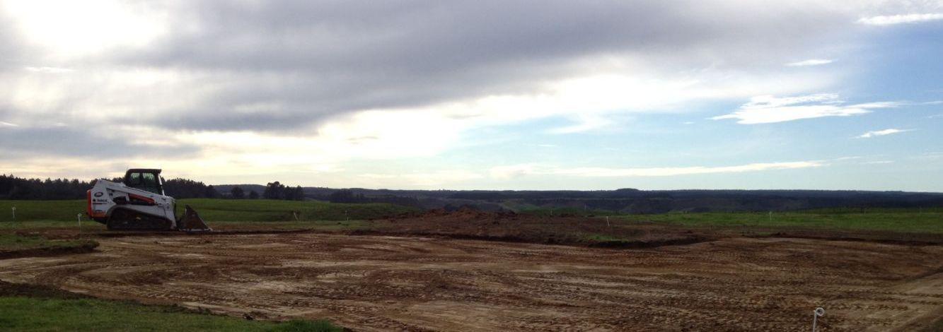 Excavators and earthmoving equipment in Waikato