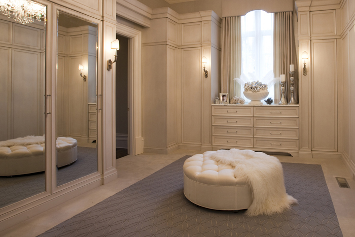 Private dressing room with floor length mirrors