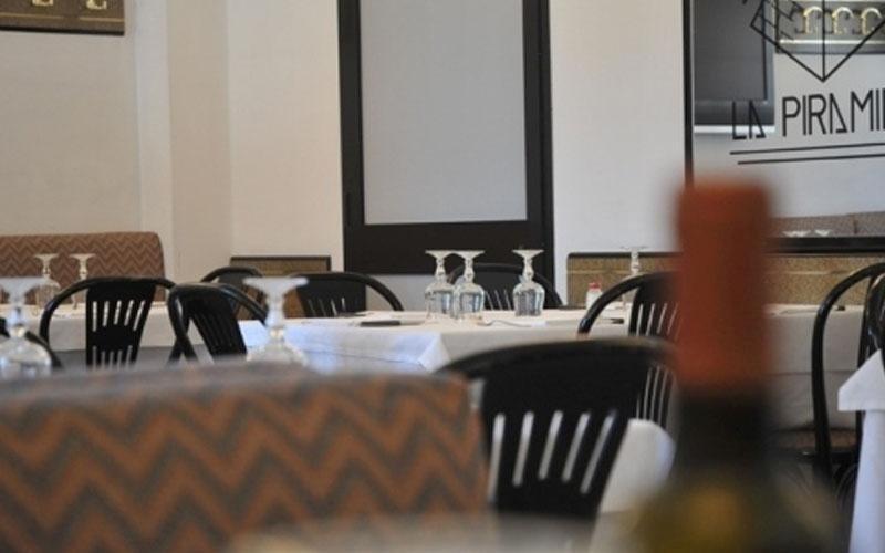 interno ristorante piramide novara