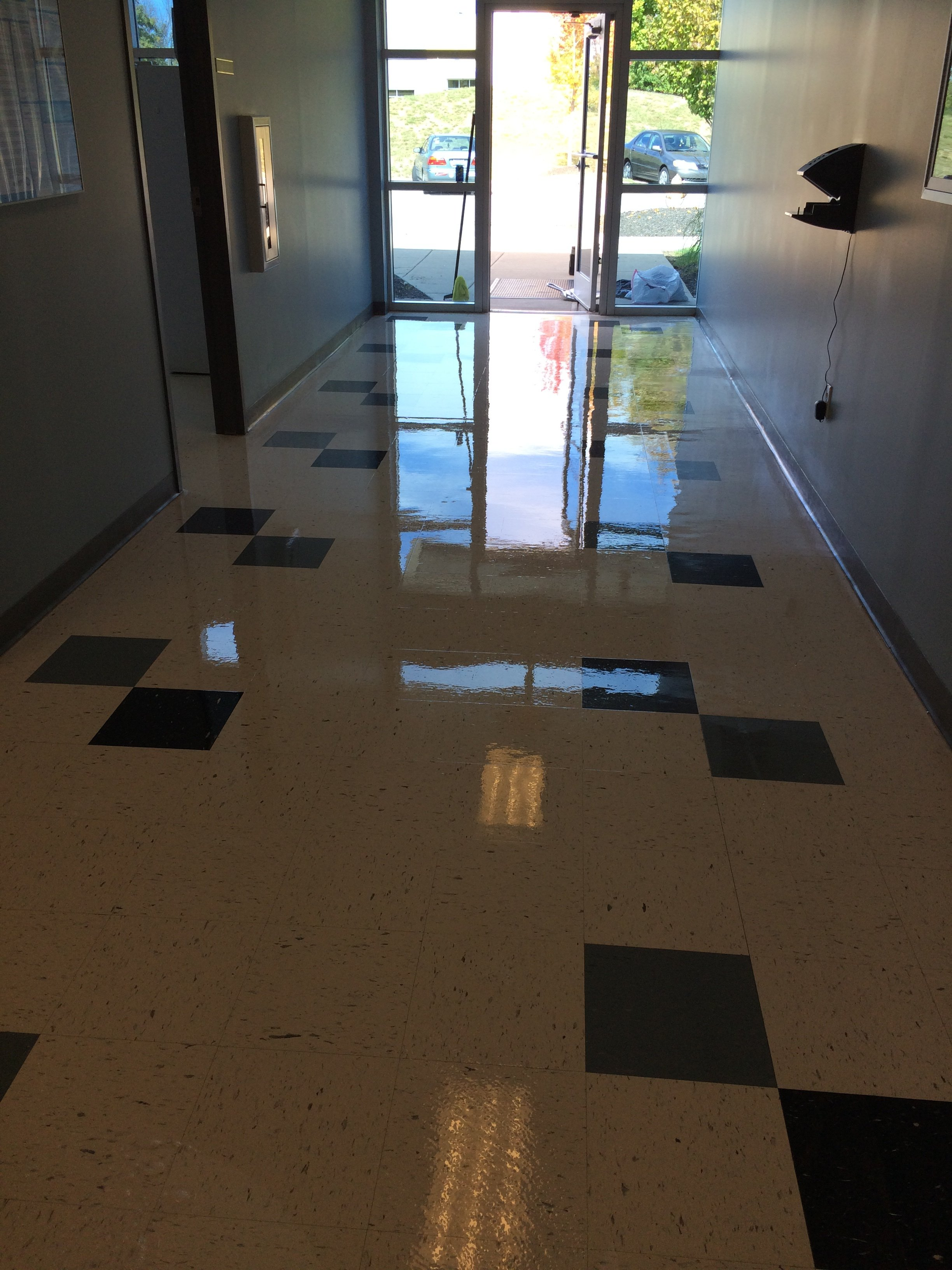 Attractive solid floor after getting maintenance solutions in Burlington, KY
