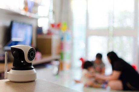 telecamera di sicurezza  in un appartamento