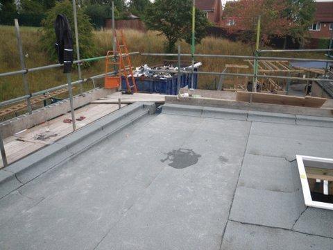 Mastic asphalt roofing