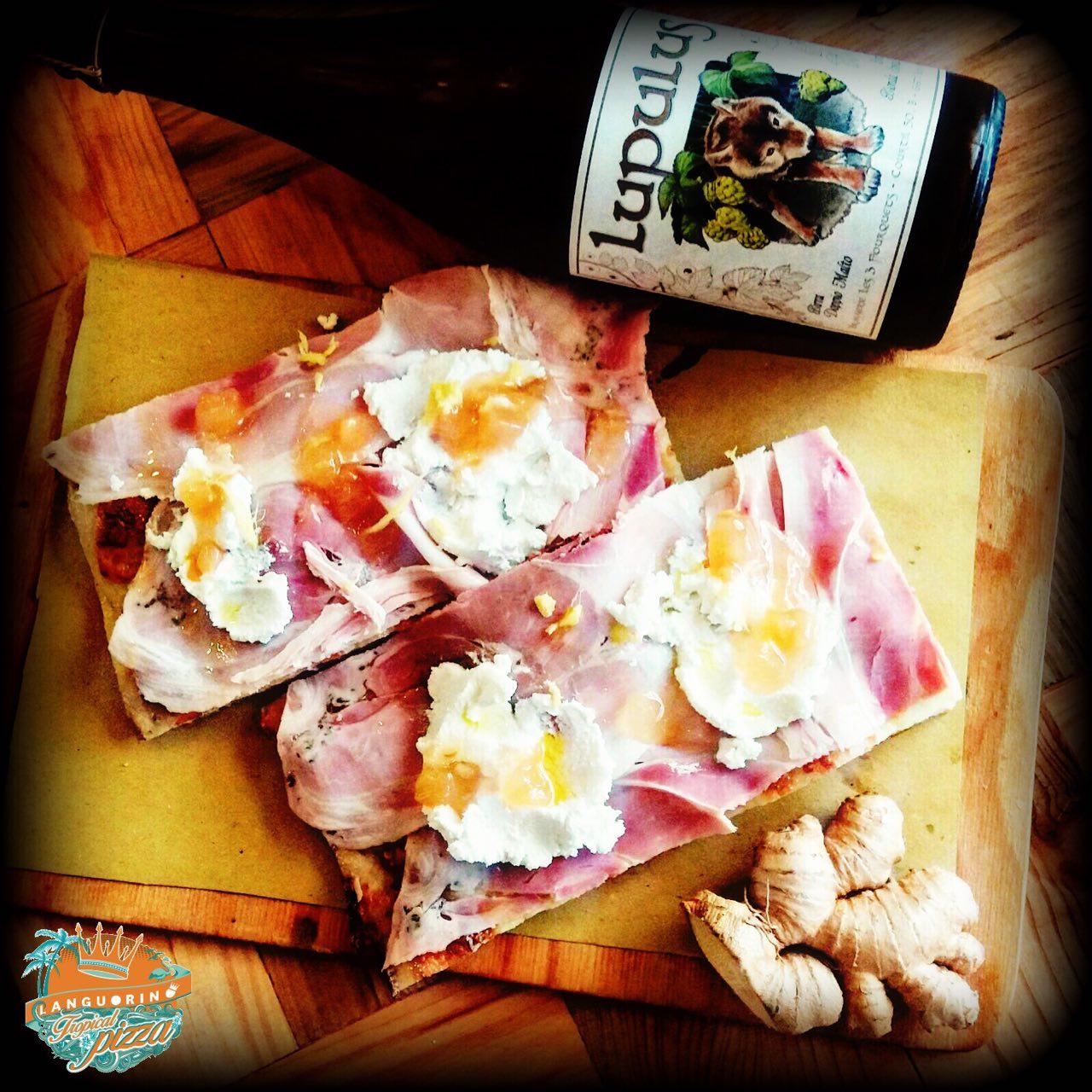 Pizzette di bacon con uovo di quaglie e zenzero