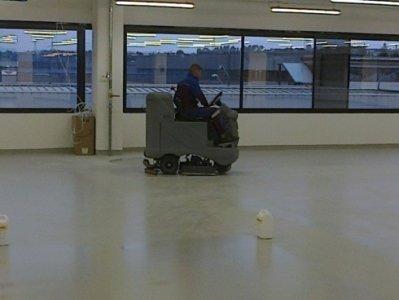 pulizia e lucidatura pavimenti