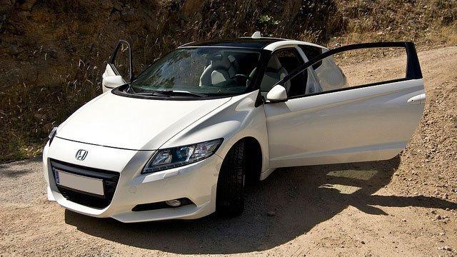 Honda CR Z by David Villarreal Ferna, used under CC BY-SA 2.0