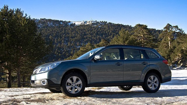 Subaru Outback Boxer Diesel by David Villarreal Ferna, used under CC BY-SA 2.0