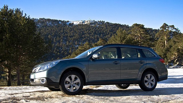 Subaru Outback Boxer Diesel by David Villarreal Ferna, used under CC BY-SA 2.0
