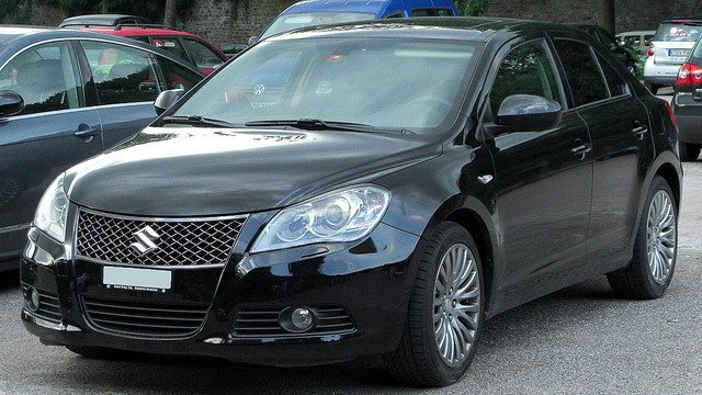 Suzuki Kizashi by M 93, used under CC BY 2.0