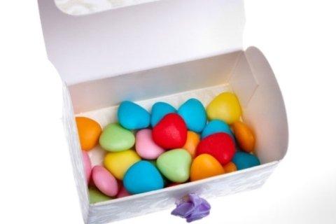Confetti con mandorle e cioccolato