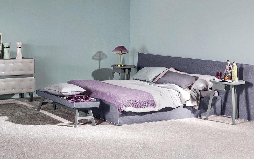 camera da letto con arredamenti