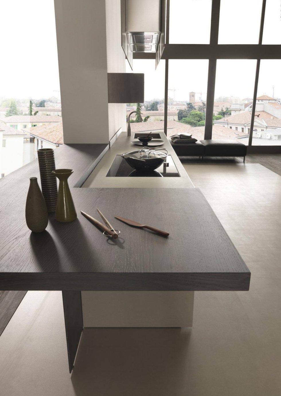oggetti su bancone di una cucina moderna