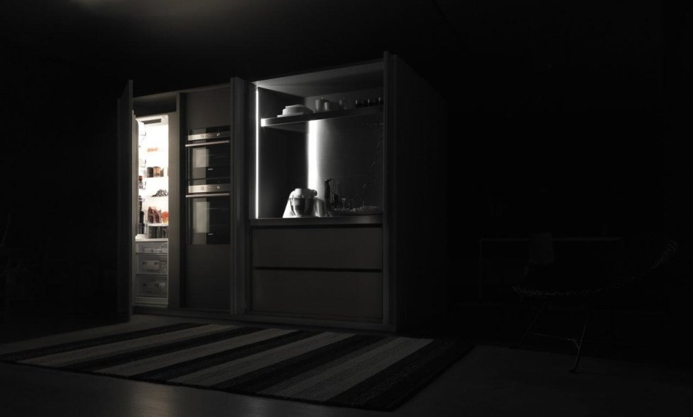 cucina con vetrina
