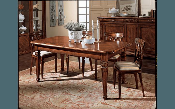 tavolo classico in legno