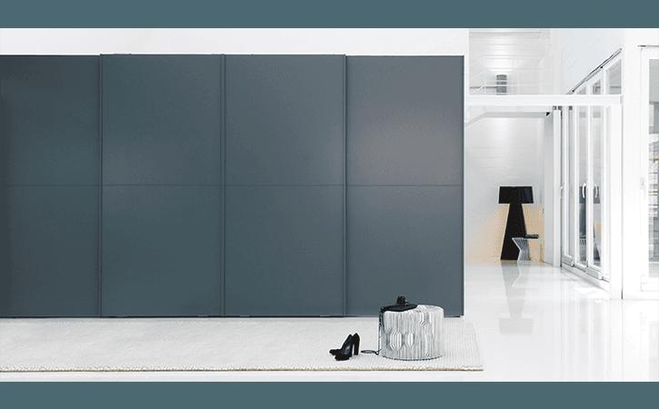 armadio grigio