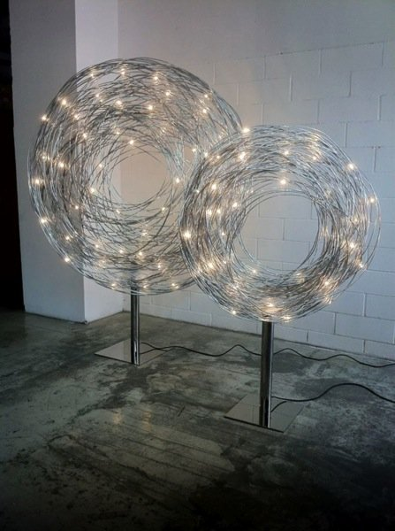 due lampade da esterni di design