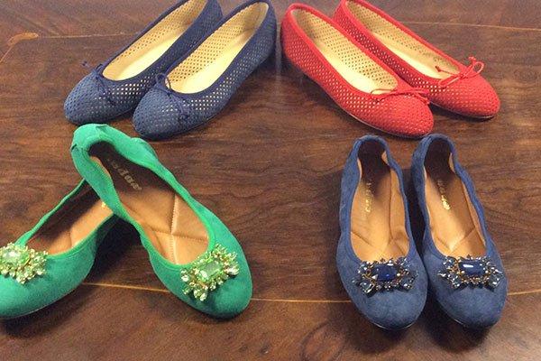delle scarpe Ballerina  in vari colori