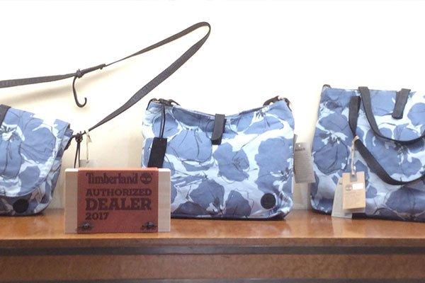 delle borse della marca Timberland