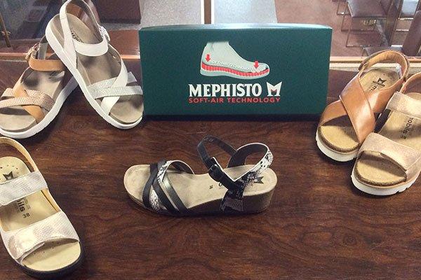 dei sandali da donna della marca Mephisto