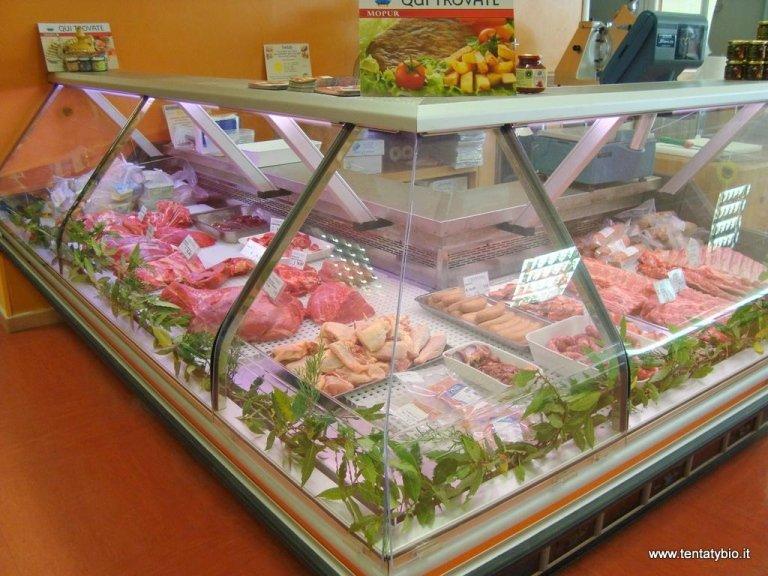 banco frigo con carne