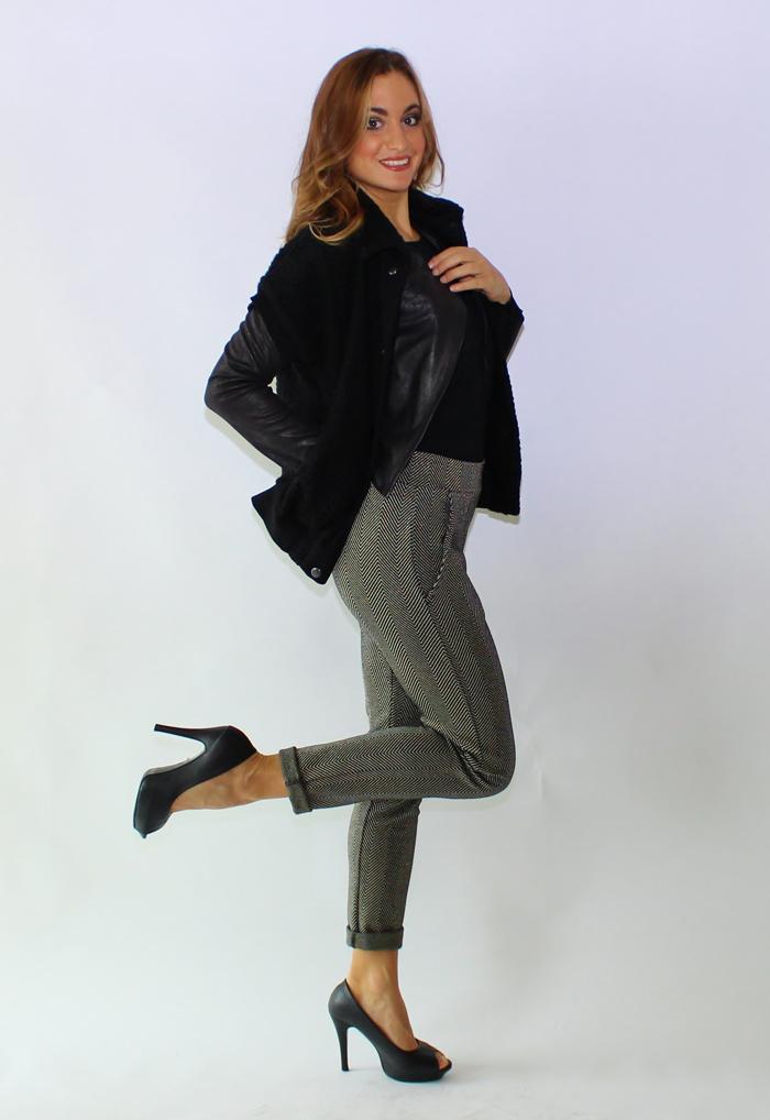completo professionale grigio con giacca e decollete nere