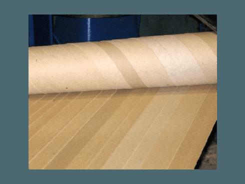 Rulli in cartone utili alla realizzazione di tubi per imballaggi e per contenitori.