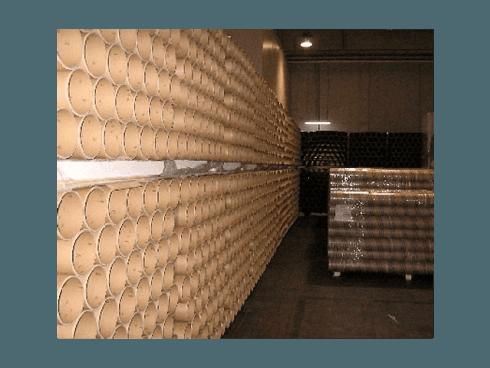 In base alle esigenze della committenza vengono realizzati tubi ed anelli in cartone resistenti e dai differenti diametri.
