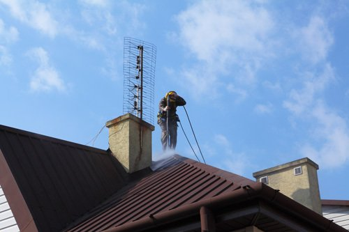 #1 roof cleaning services given in Tariffville, CT