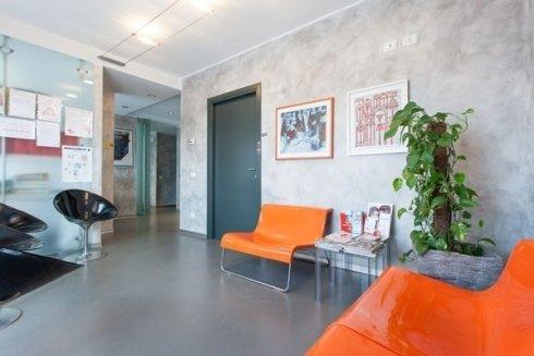 Lo Studio Dentistico Buzzatti dispone di ampi e confortevoli ambienti.