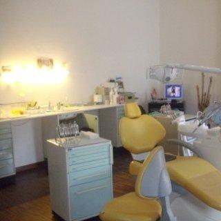 ortodonzia mobile, laserterapia, paradontologia