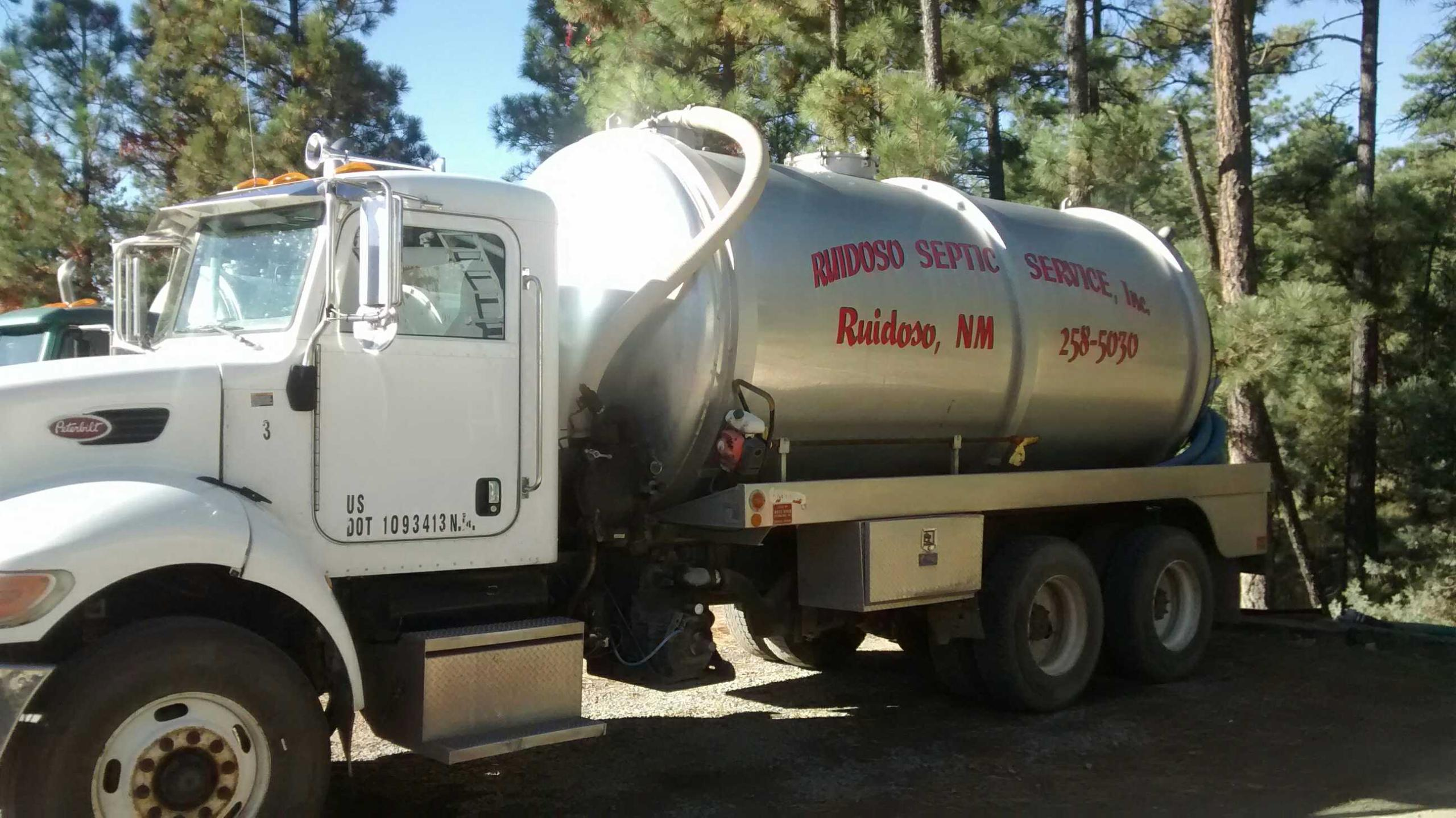 Professional servicing the septic tank in Ruidoso, NM