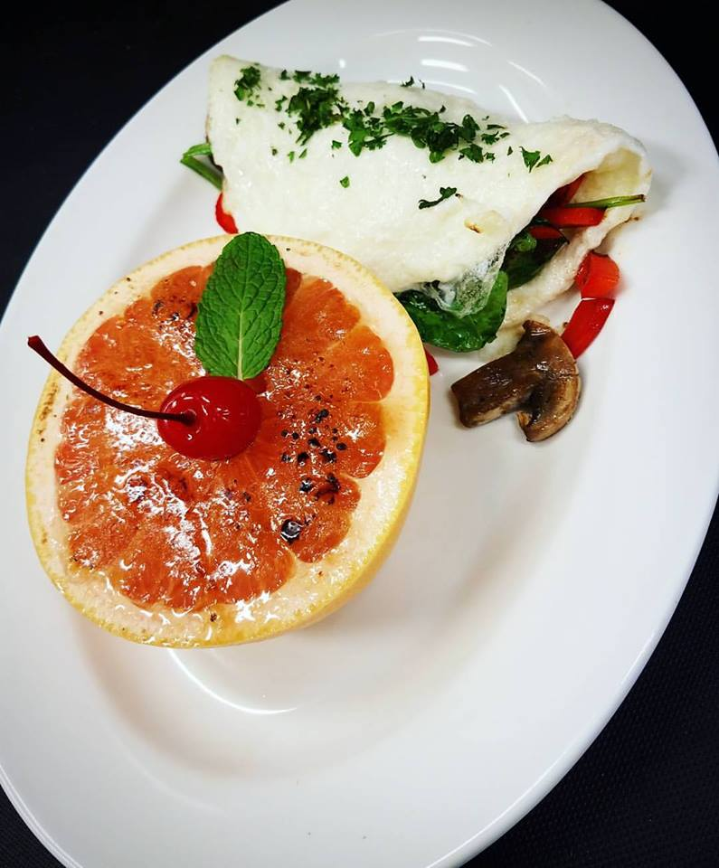 Egg white omelet and grapefruit