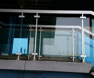 Parapetti esterni in vetro a Palermo