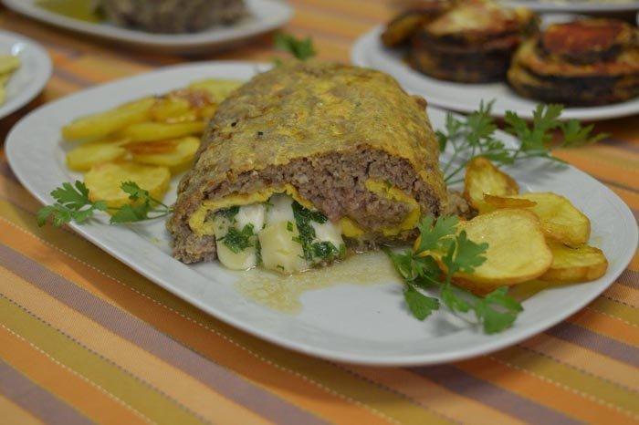 arrosto ripieno con uova e patate al forno