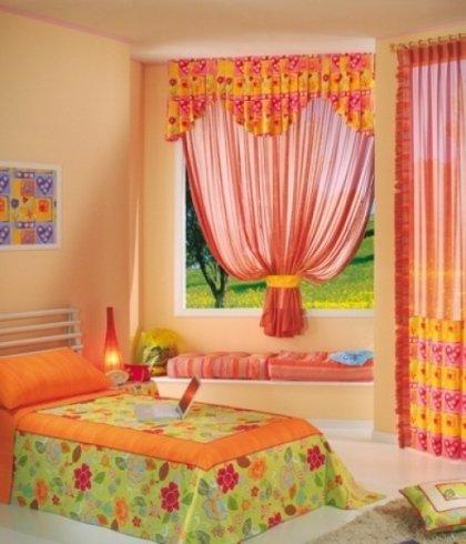 tenda colorata per cameretta