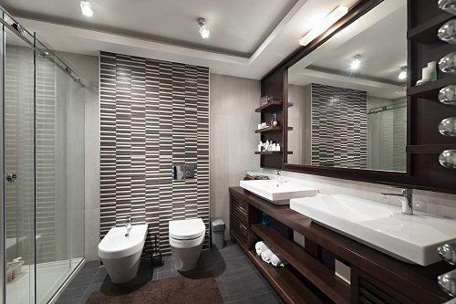 bagno con arredo moderno