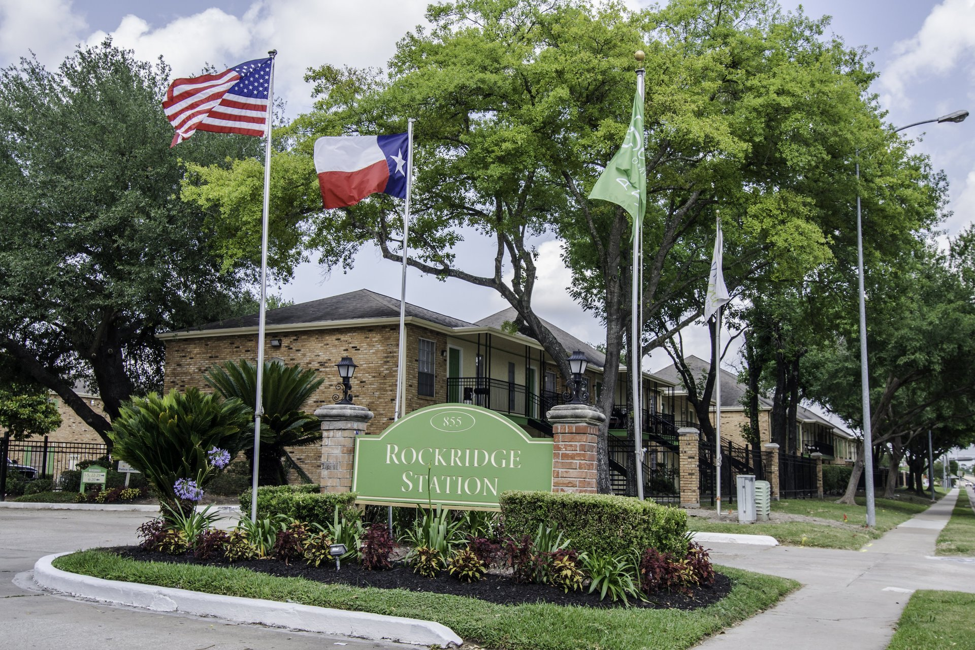 Rockridge Station Houston Texas Apartment Complex