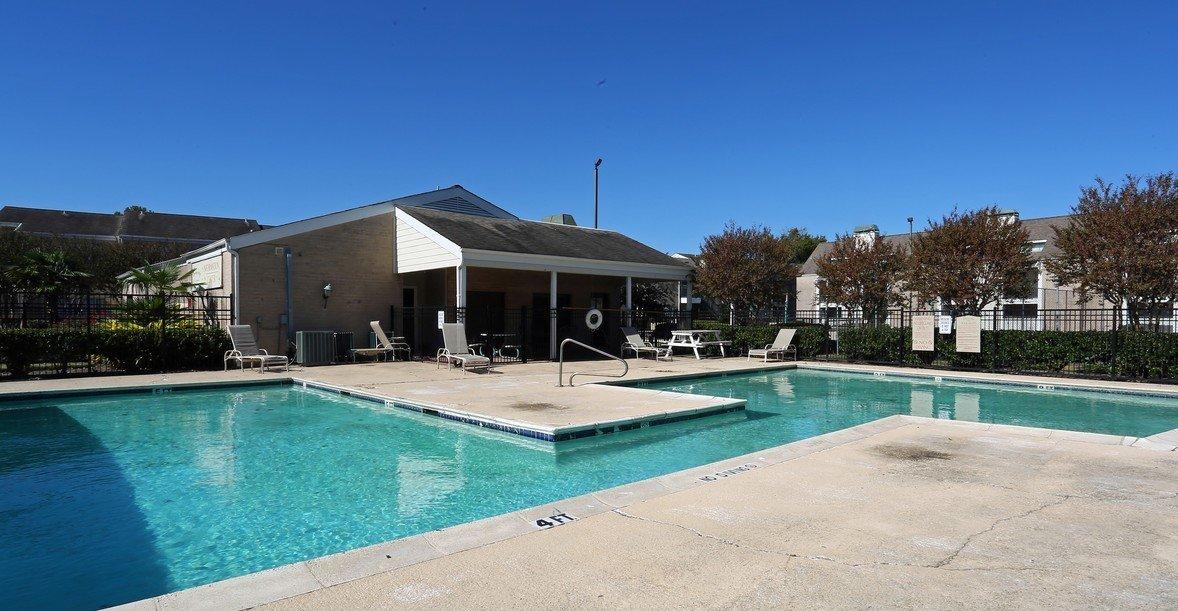 Breckenridge at Cityview Pool