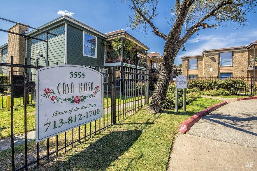 Casa Rosa Apartments Houston