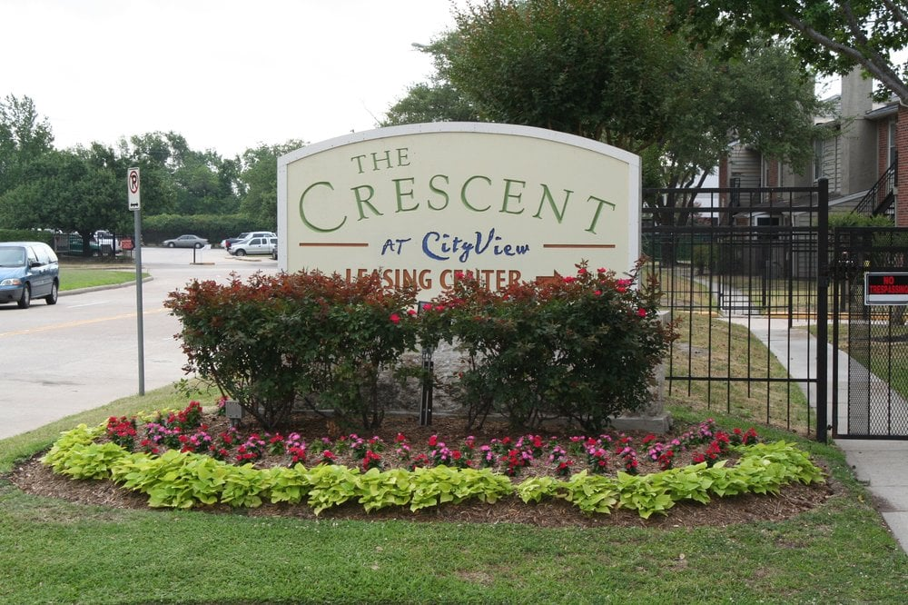Crescent at Cityview Houston Texas Apartment Complex