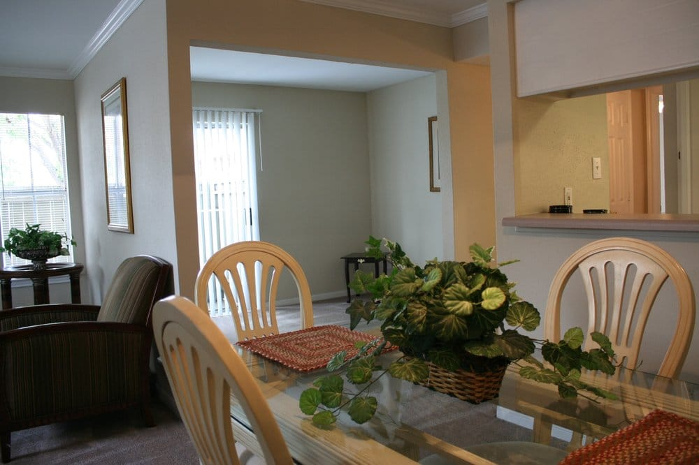 Salado at Cityview Apartment Complex Dinning Room