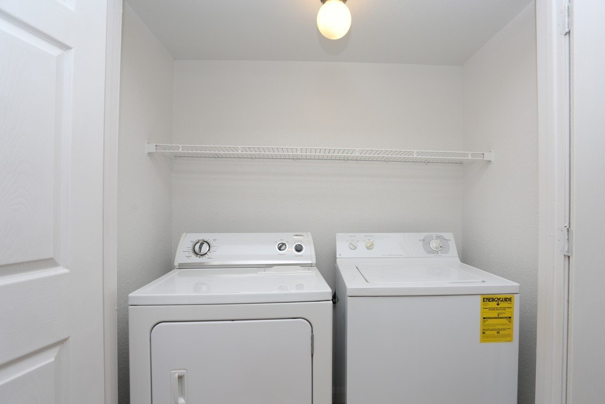 Rockridge Commons Washer and Dryer in Apartment